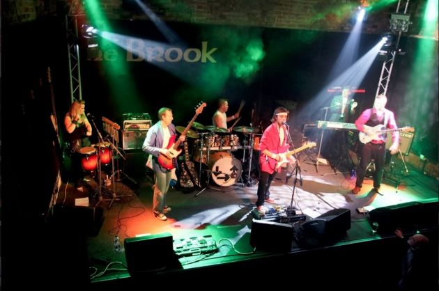 Gallery: Dire Straits Tribute